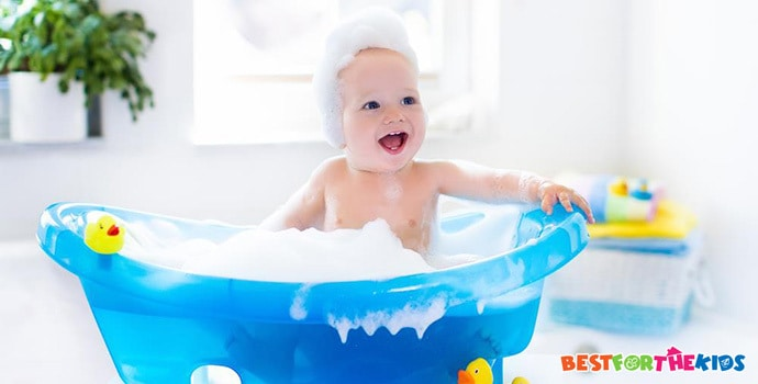7 Best Baby Bath Tubs to Make Daily Baths a Delightful Experience